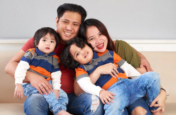 couple with their two kids